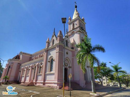 Igreja Matriz de Nossa Senhora das Dores - Dores do Indaiá-MG