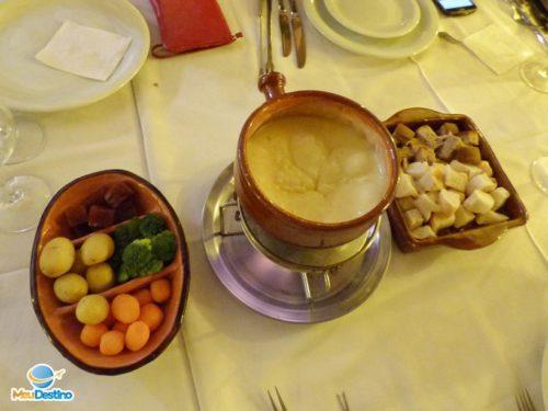 Fondue de Queijo - Restaurante Colosseo - Onde comer em Gramado-RR