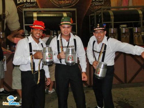 Traje Típico Alemão - Oktoberfest de Blumenau-SC